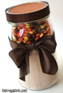 Reeses-Chocolate-Cookie-Mix The Frugal Girls Gifts in a Jar