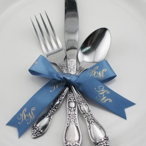 use fall wedding ribbons for cake servers and utinsels at the reception and dinner